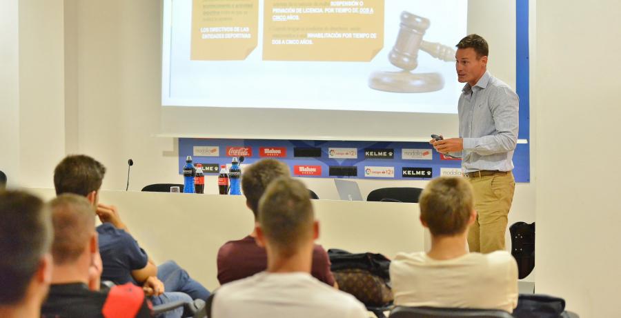 LaLiga lidera la limpieza de todas las competiciones del fútbol español