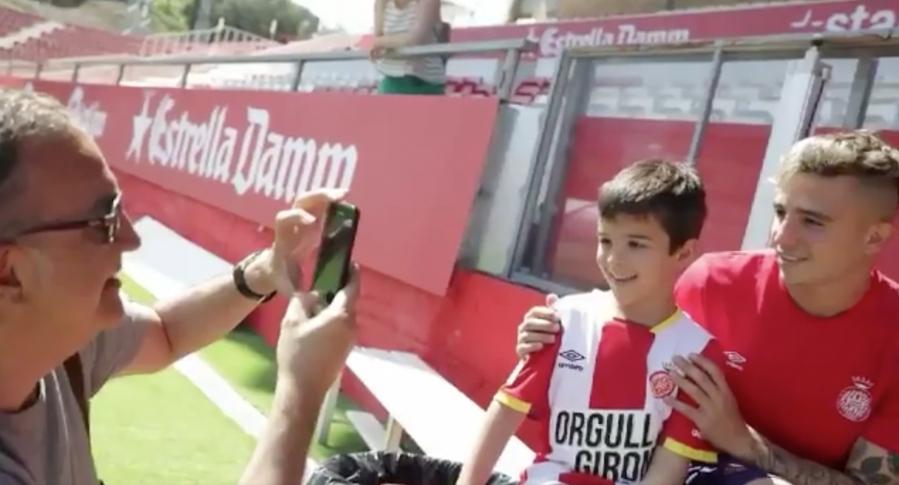 El Girona FC convierte el mar de lágrimas de un niño en un viaje a las estrellas