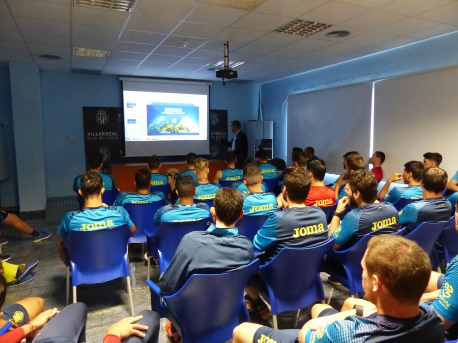 LaLiga abre sus puertas a los futbolistas