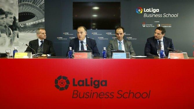 El Máster en Derecho de LaLiga Business School salta al terreno de juego