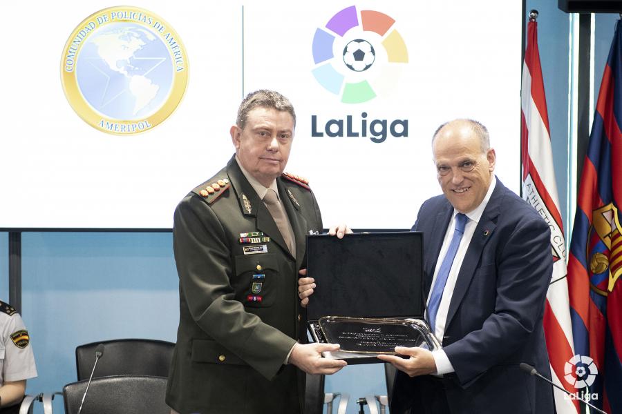 LaLiga y AMERIPOL se unen para combatir la corrupción deportiva y erradicar la violencia en el fútbol