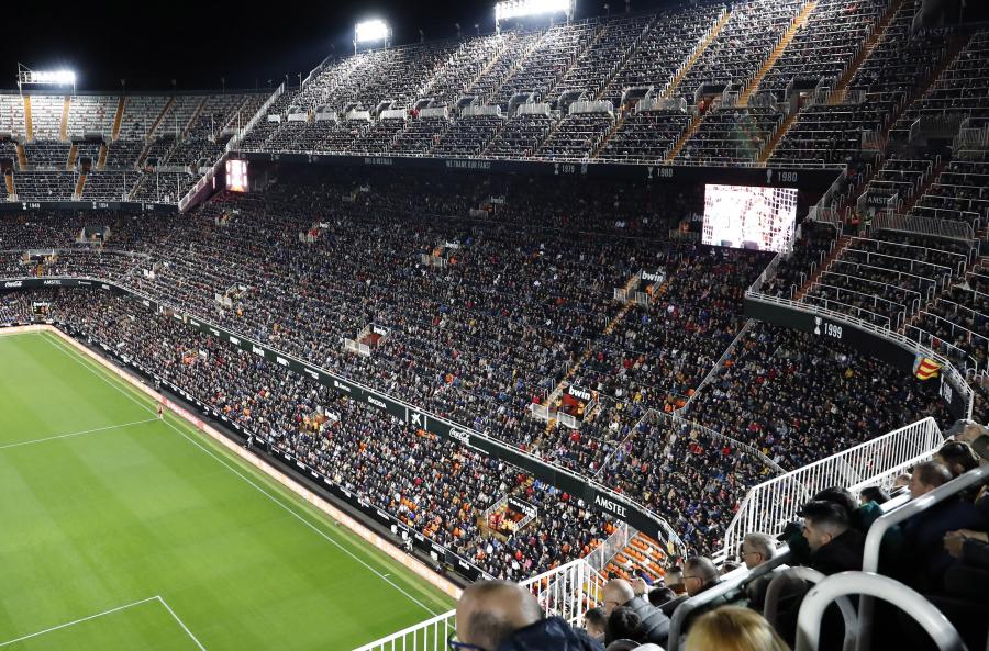 El moderno sistema audiovisual en los videomarcadores de Mestalla que mejora la experiencia del aficionado