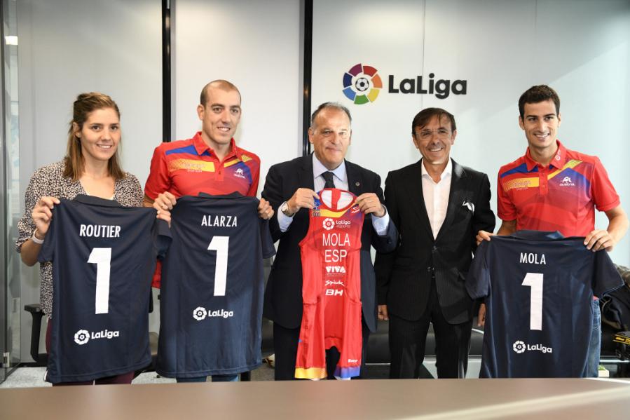 Mola, Alarza y Routier visitan la sede de LaLiga