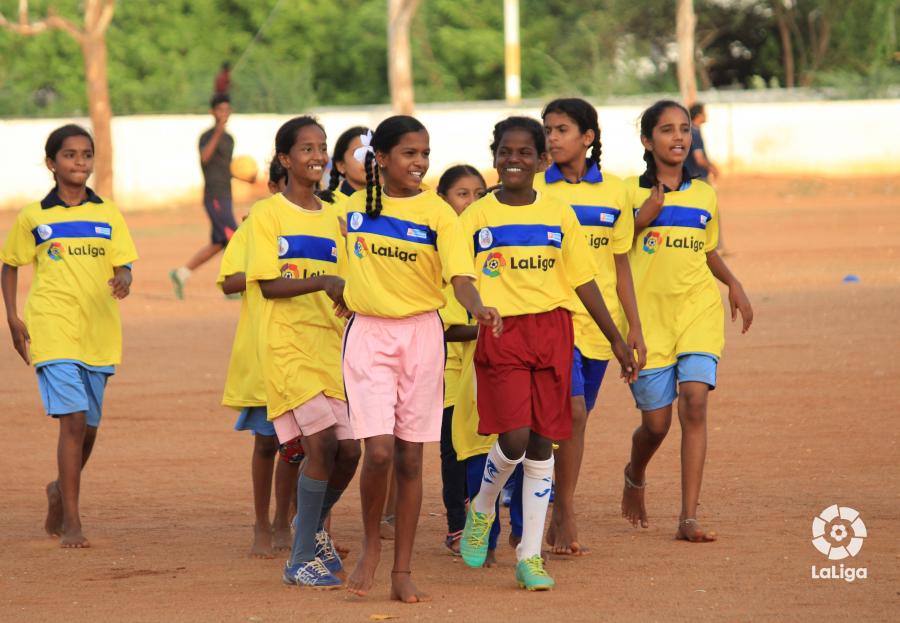Se triplica el número de niñas que participan en el programa de fútbol de la Fundación Vicente Ferrer gracias al acuerdo con LaLiga