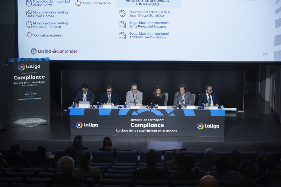 El papel de la Transparencia en el fútbol, a debate