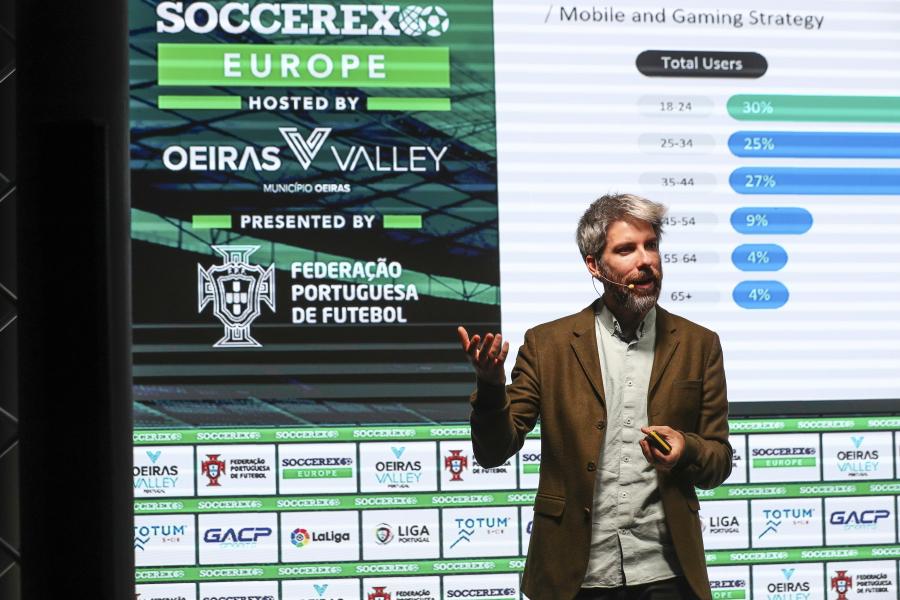 ¿Cómo ha introducido LaLiga a los clubes en el mundo digital con la estrategia de aplicaciones globales?