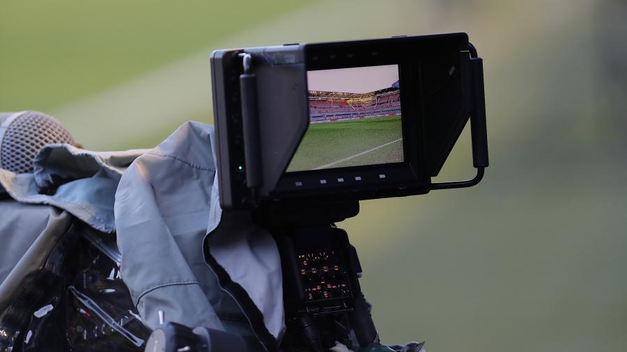 Comentarios y casos sobre la relación entre la CNMC, el mercado del sector audiovisual y el fútbol