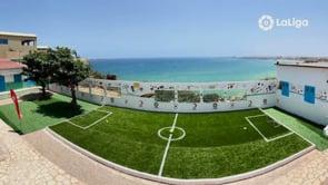 Conoce el último campo de fútbol de Senegal que funcionará como un centro educativo para niños